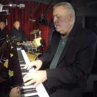 Bob Haddrell